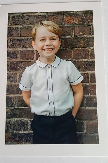 Кейт Миддлтон и Уильям разослали фанатам портрет принца Джорджа