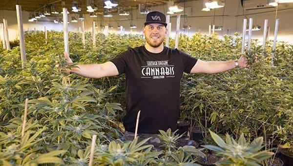 Племянник Меган Маркл призывает англичан легализовать марихуану
