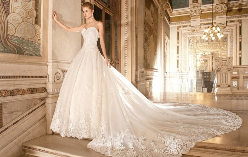 Секреты выбора свадебного платья со шлейфом
