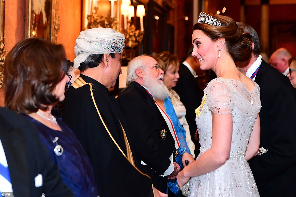 Кейт Миддлтон блистала на гала-приеме во Дворце