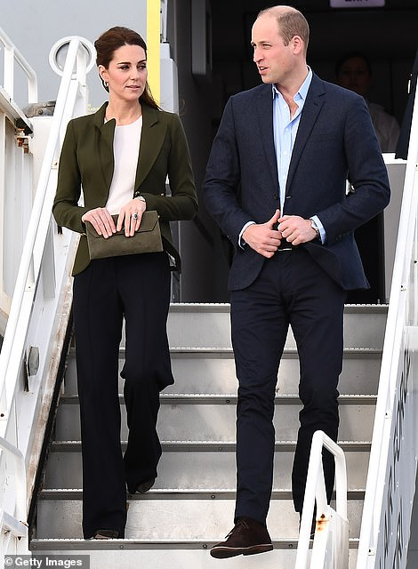 Кейт Миддлтон и принц Уильям приземлились на Кипре