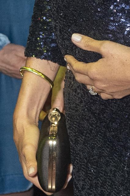 Меган Маркл с браслетом леди Ди появилась на премьере Cirque du Soleil