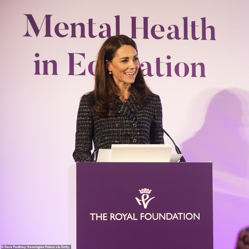 Кейт Миддлтон в твидовом костюме выступила на конференции The Royal Foundation
