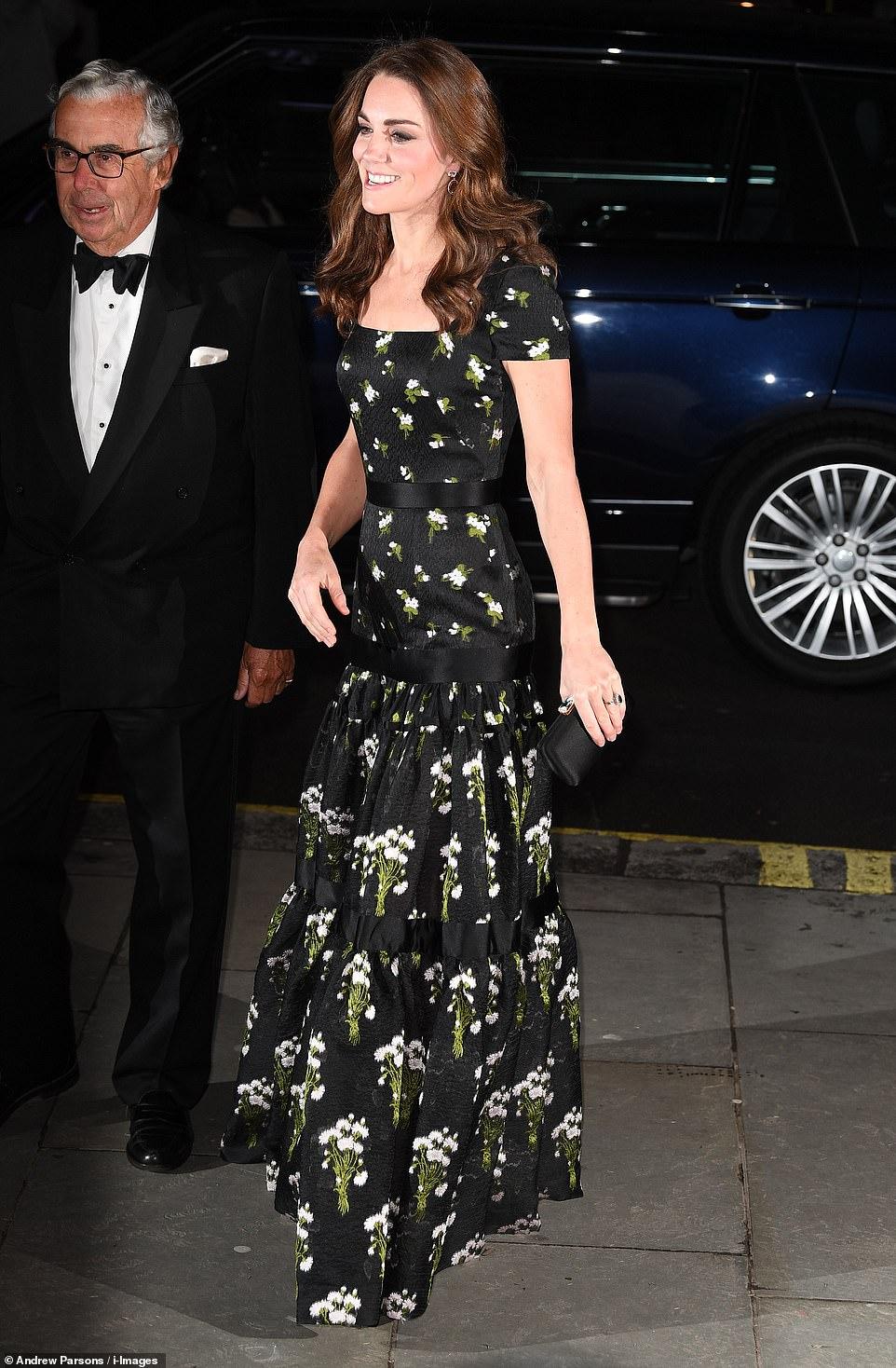 Кейт Миддлтон в роскошном платье на приеме в Национальной портретной галерее