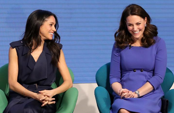 Кенсингтонский Дворец защищает Кейт Миддлтон, Меган Маркл и других представителей королевской семьи в соцсетях