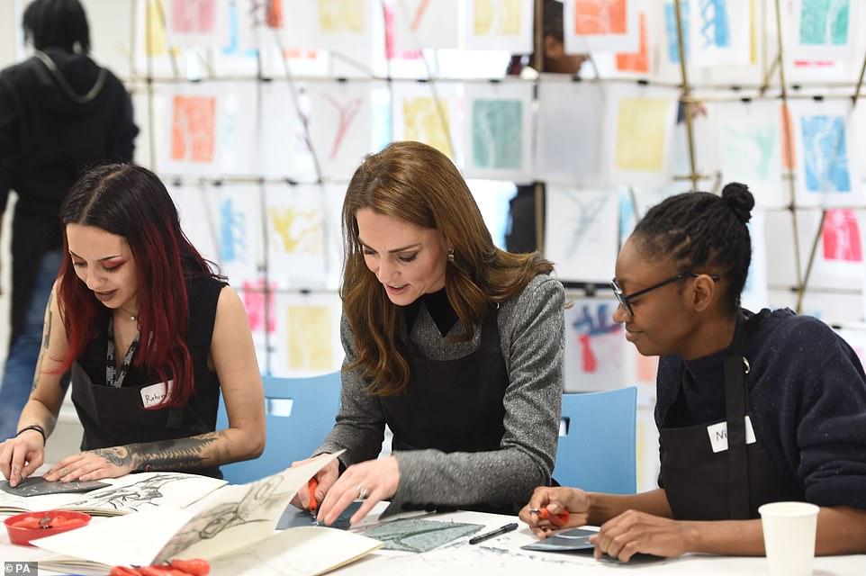 Кейт Миддлтон приехала в музей Foundling и поучаствовала в мастер-классе