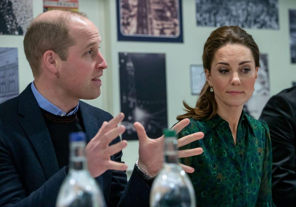 Принц Уильям и Кейт Миддлтон под дождем в Блэкпуле