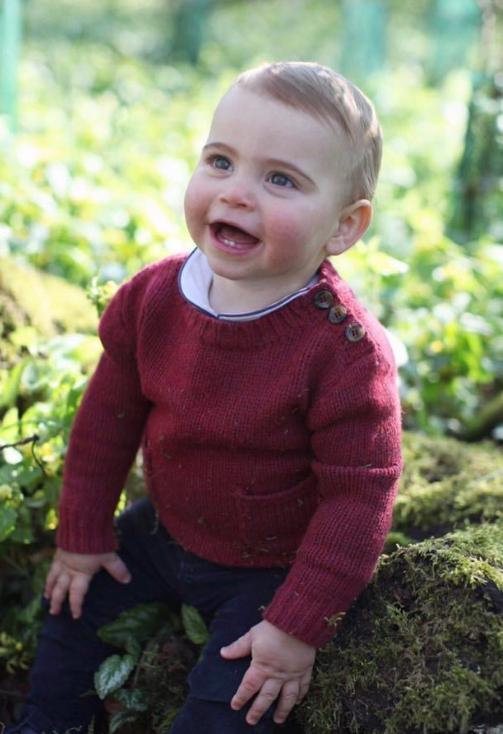 Младший сын принца Уильяма и Кейт Миддлтон уже начал помогать продажам одежды