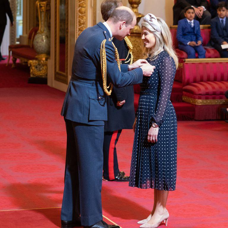 Стилист Кейт Миддлтон получила награду из рук принца Уильяма