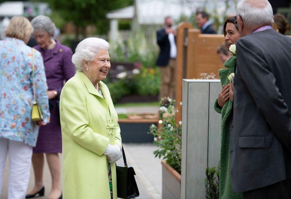 Кейт Миддлтон провела для Елизаветы II экскурсию по Chelsea Flower Garden