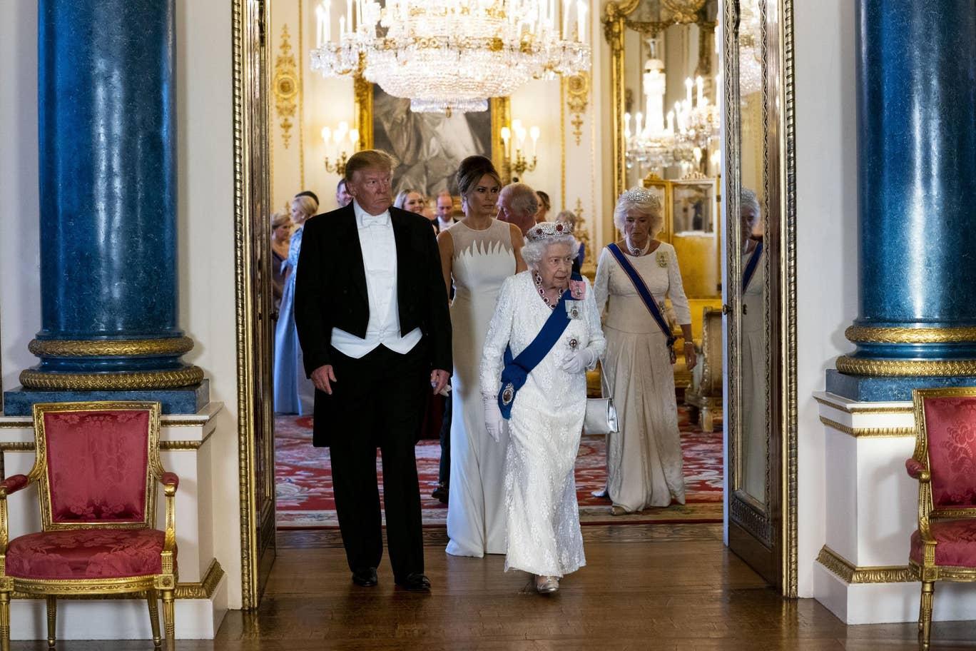 Кейт Миддлтон в роскошном платье от Alexander McQueen на гала-приеме в честь приезда Дональда Трампа