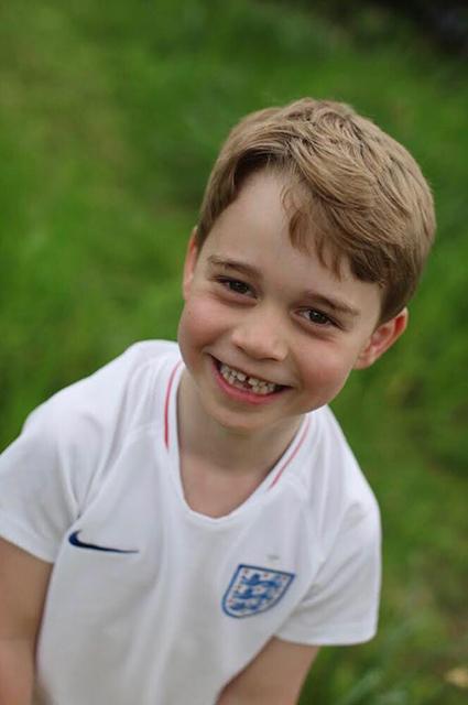 Принц Джордж сегодня отмечает шестой день рождения. Опубликованы его новые фото