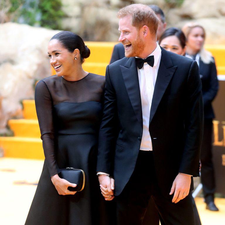 Звездам ленты «Король Лев» пришлось выполнять королевский протокол во время визита принца Гарри и Меган Маркл