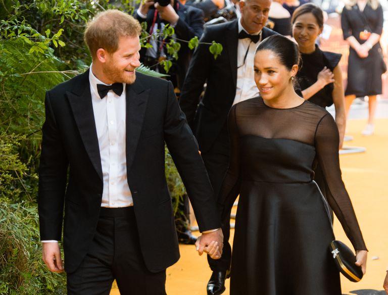 Принц Гарри и Меган Маркл на премьере фильма «Король Лев»
