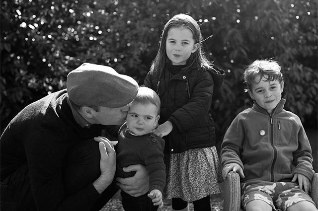 Принц Уильям и Кейт Миддлтон порадовали поклонников новым семейным снимком