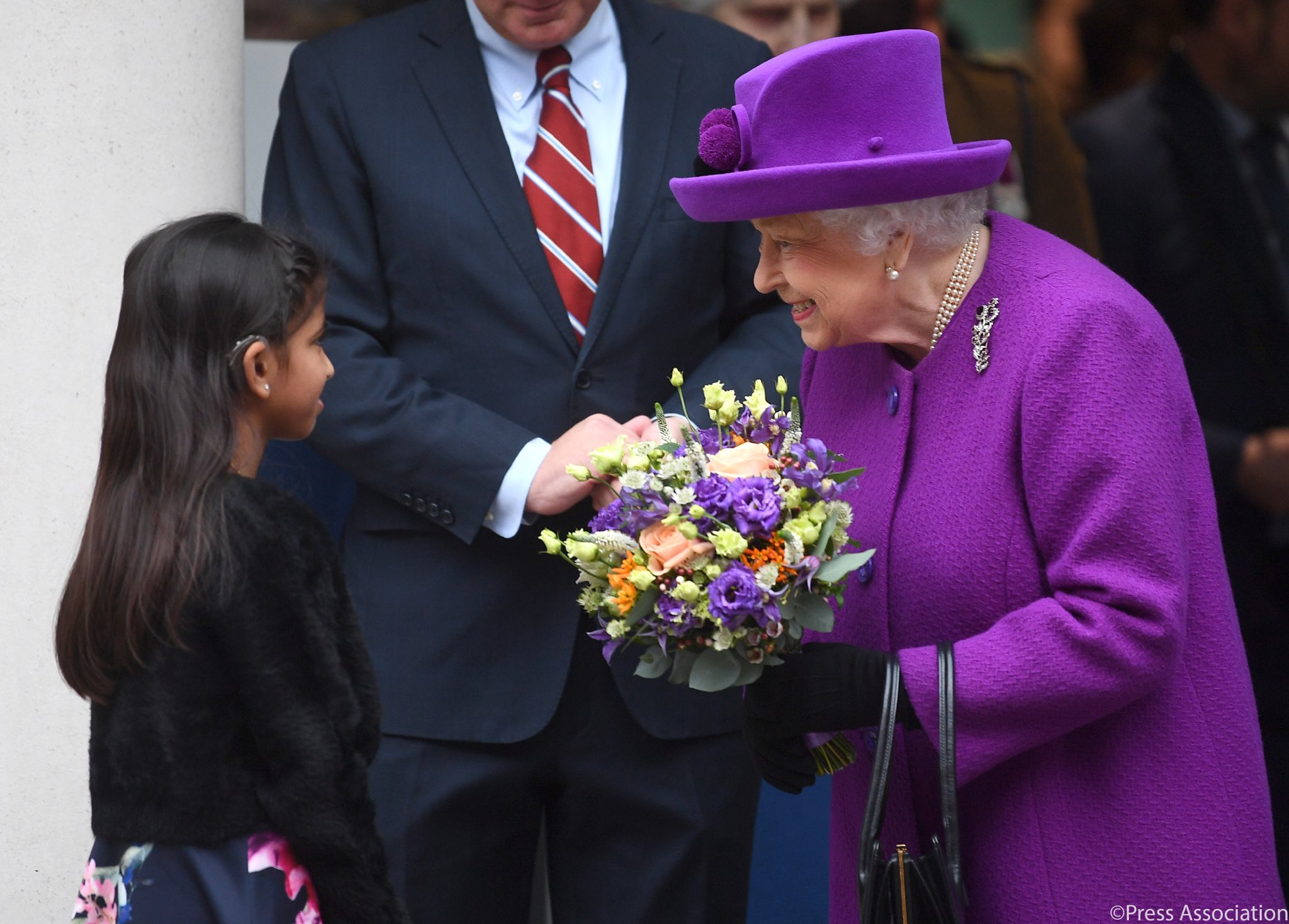 Елизавета II посетила лондонскую детскую больницу