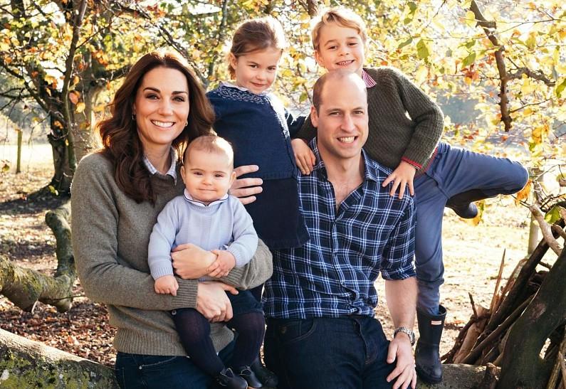 Хлопаем в ладоши! - Дети принца Уильяма и Кейт Миддлтон поддержали медработников в популярном флешмобе