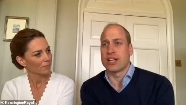 Принц Уильям и Кейт Миддлтон поговорили по видеосвязи с волонтерами центра психического здоровья