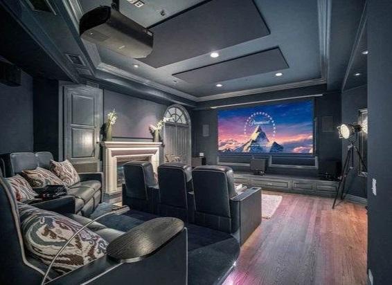 Принц Гарри и Меган Маркл хотят купить особняк за 12.5 миллионов $