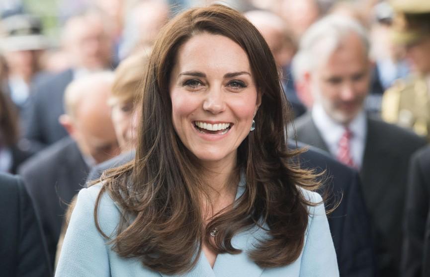 Кейт Миддлтон вышла на видеосвязь: зрители трансляции заметили перемены в прическе герцогини