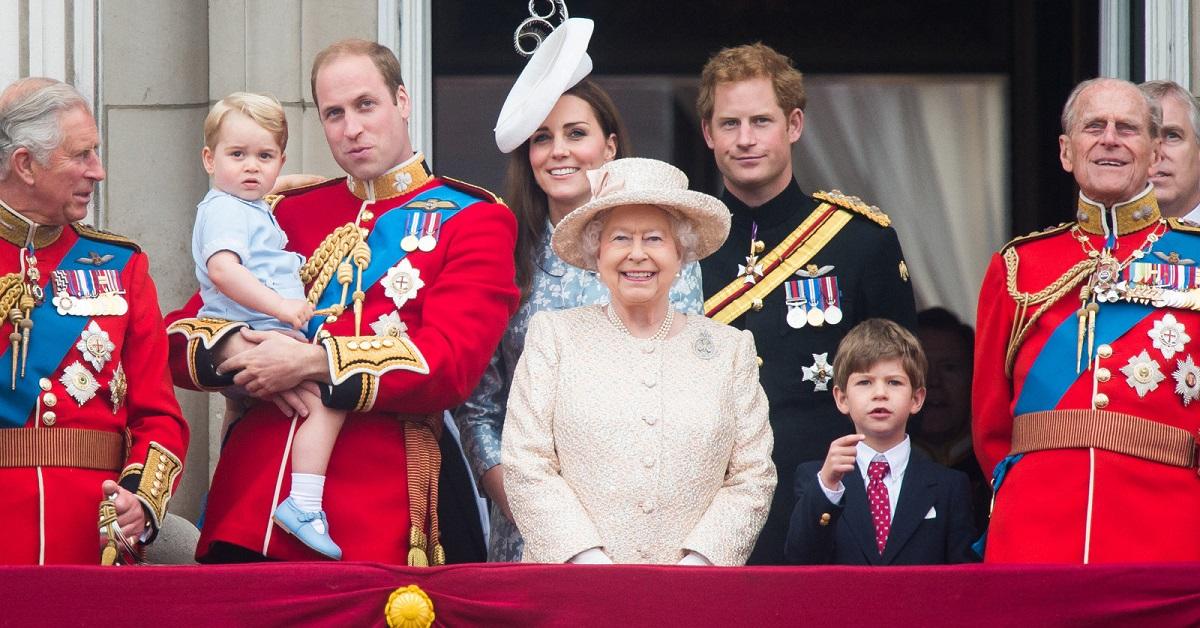Что читают в британской королевской семье: любимые книги Кейт Миддлтон, Меган Маркл, принца Уильяма и других