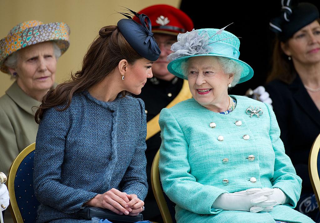 Что готовит Елизавета II на 10 годовщину свадьбы принца Уильяма и Кейт Миддлтон: мнение королевского эксперта
