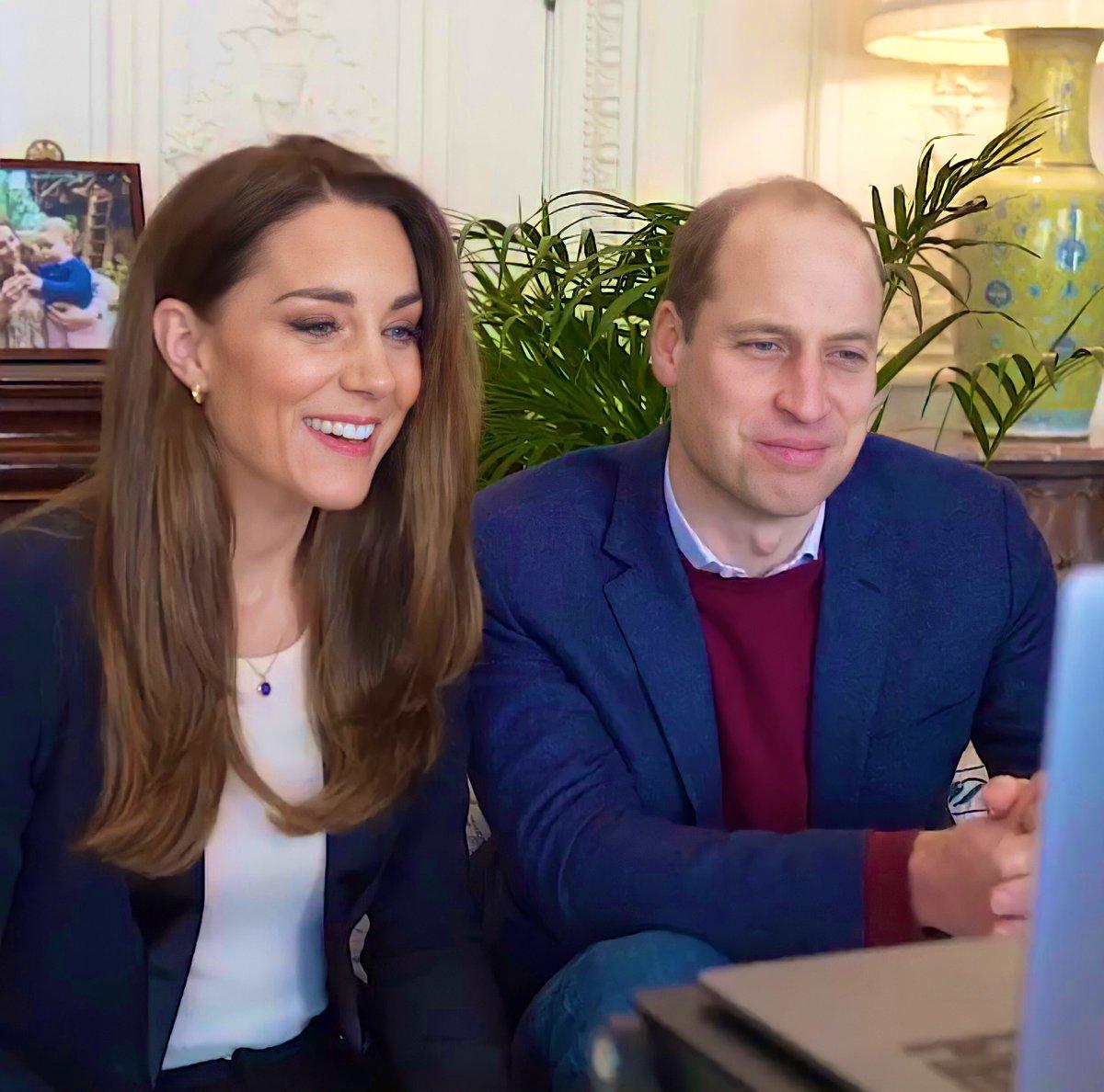 Принц Уильям и Кейт Миддлтон пообщались по Zoom с будущими медсёстрами