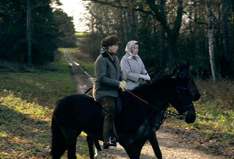 По стопам бабушки: дети принца Уильяма и Кейт Миддлтон активно осваивают «конный спорт»