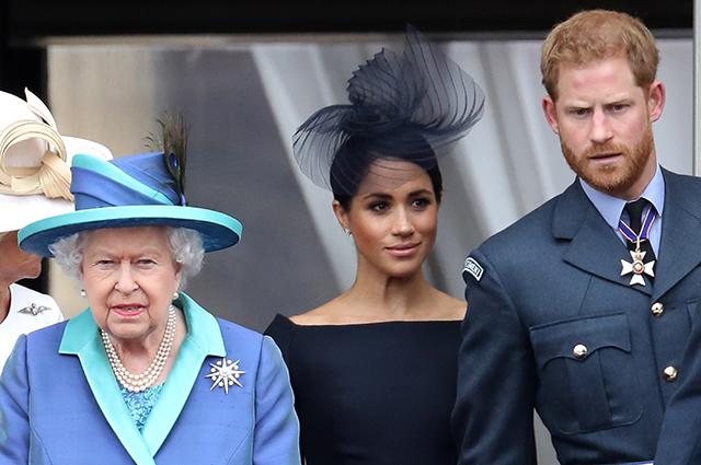 Принц Гарри не наладит отношения с родными, пока те не принесут извинения Меган Маркл