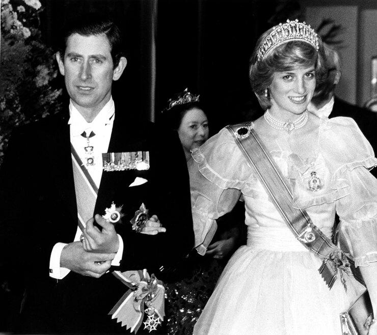 Траурный аутфит Кейт Миддлтон: на что обратили внимание поклонники герцогини