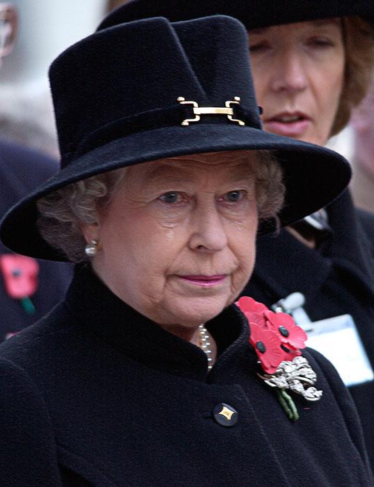 Члены британской королевской семьи тоже иногда плачут: запомнившиеся случаи