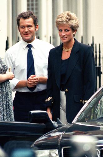 Пол Баррел считает, что после поездки в Великобританию принц Гарри стал сомневаться в правильности своих действий