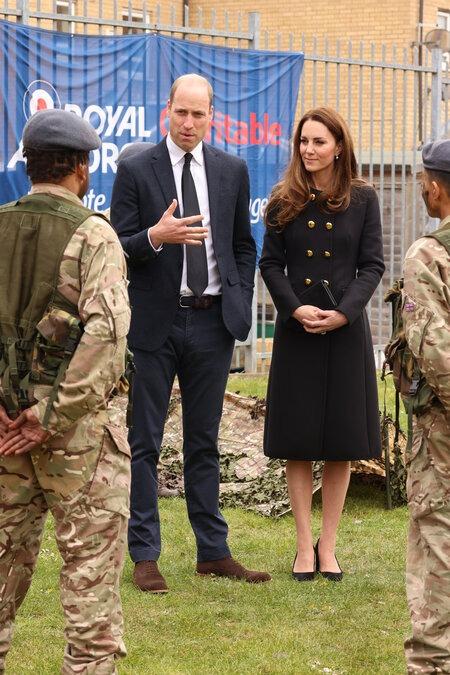 Принц Уильям и Кейт Миддлтон совершили свой первый выход в свет после похорон принца Филиппа