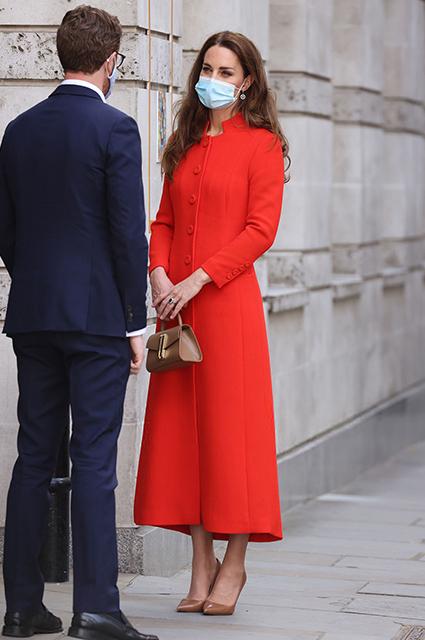 Кейт Миддлтон посетила Лондонскую королевскую больницу и Национальную портретную галерею Великобритании