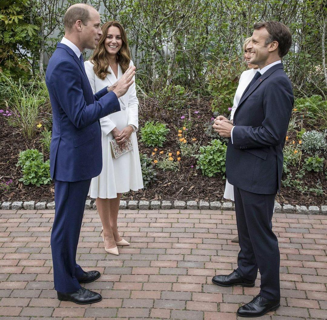 Белоснежное платье и браслет принцессы Дианы: Кейт Миддлтон поразила своим образом на торжественном ужине