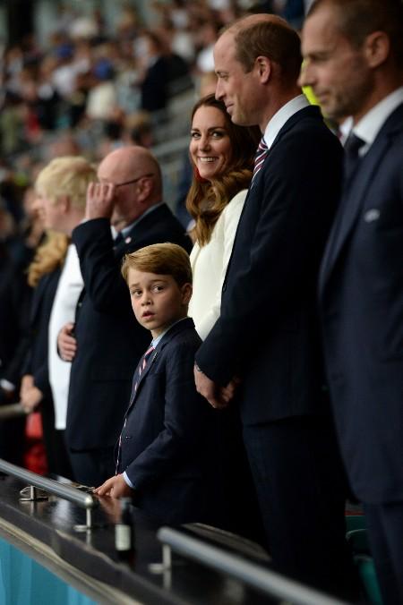 Расстроились, но поддержали своих и поздравили победителей: как принц Уильям и Кейт Миддлтон посетили финал ЕВРО-2021 (2020)