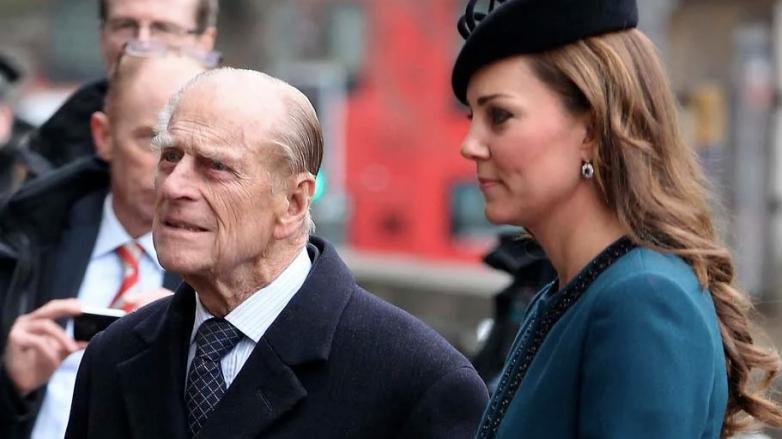 Принц Филипп сравнивал Кейт Миддлтон с принцессой Дианой: зачем и к какому выводу он пришёл